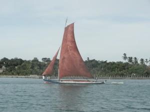 Typisk segelskuta, ingen motor, arbetsbat lastad med 15 ton gjutsand, for tp ut till en o