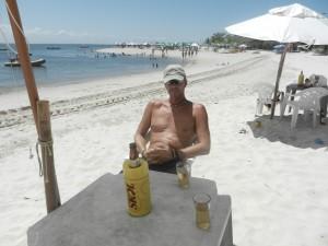 Paskafton pa stranden. Olen ar alltid iskall i Brasilien.