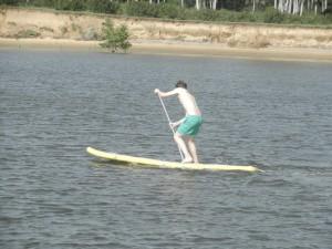 Toms forsta paddling pa SUP:en. Larde sig fort
