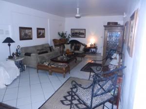 Ett av de många rummen i Biba och Milos lägenhet