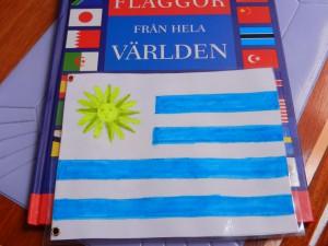 Lena ritade Uruguays destinationsflagga, som sedan laminerades. Gick inte att hitta i Brasilien.