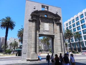 Portalen till Plaza Independencia. Huvudtorget i Montevideo