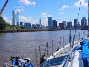 På väg in mot Buenos Aires på egen köl