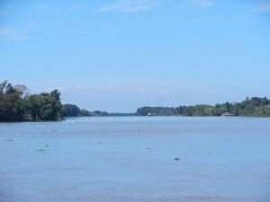 I floden på väg mot San Fernando