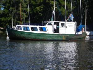 Färjebåten som går dygnet runt mellan ön och fastlandet på Club San Fernando