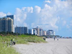 Vy från Miami Beach vid mellanlandning på väg till Sverige i september