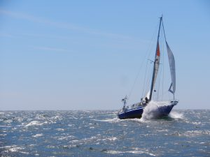 Tyska s/y Kikam flyger fram på Sydatlanten