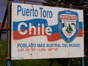 Puerto Toro marknadsfor sig som varldens sydligaste stad/by.