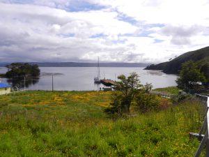 Viken och bryggan i Puerto Toro.