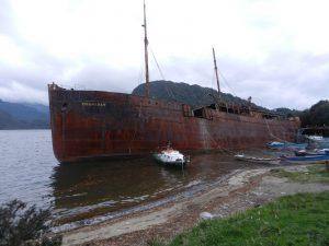Fartyg i Chachabuco ger fin vagbrytare till fiskebatarna