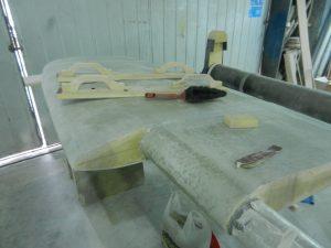 Mycket slipjobb för att få till slutliga formen. Vi har byggt två slipplankor.